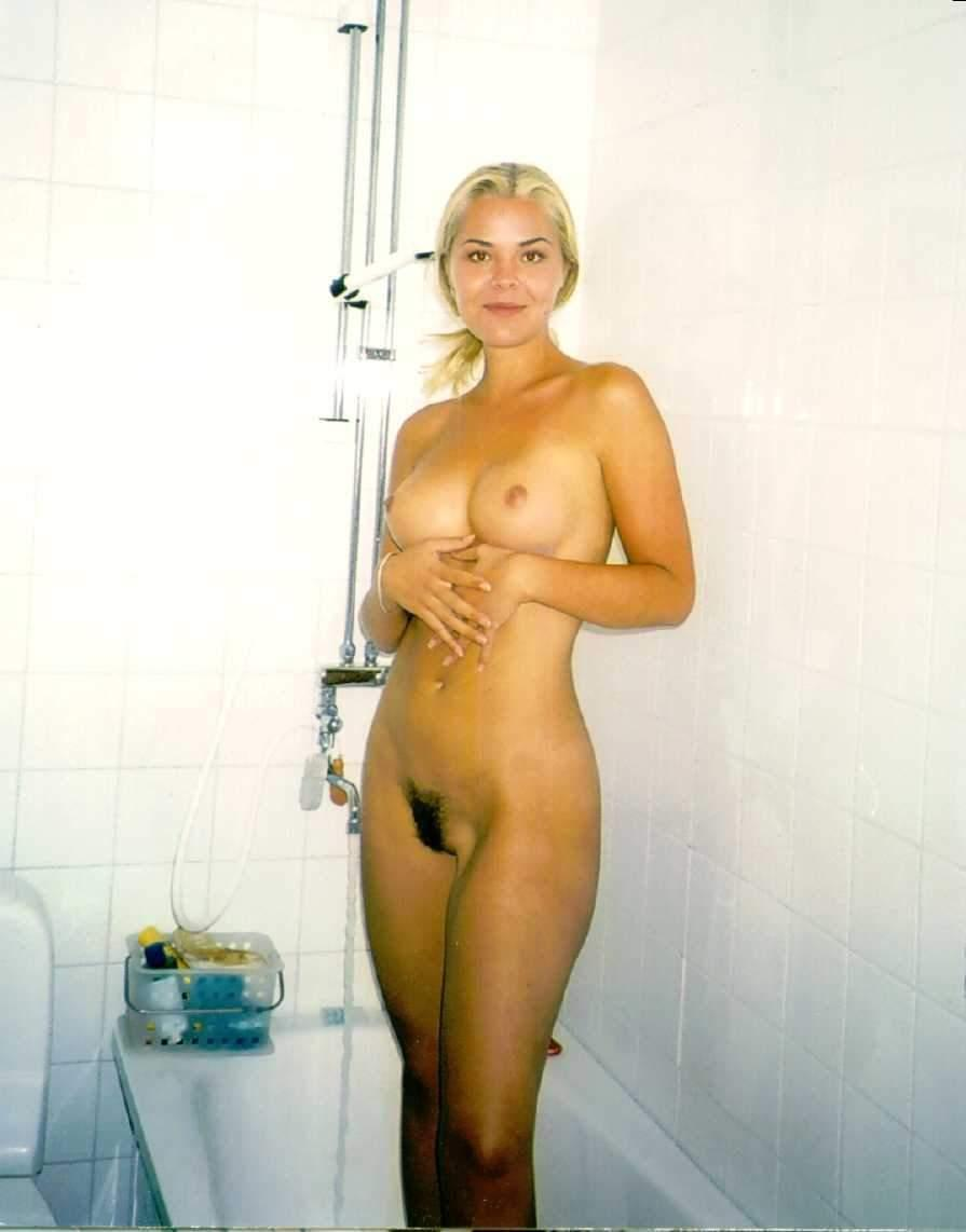 Blonde With Hairy Pussy In The Bath  Russian Sexy Girls-8865