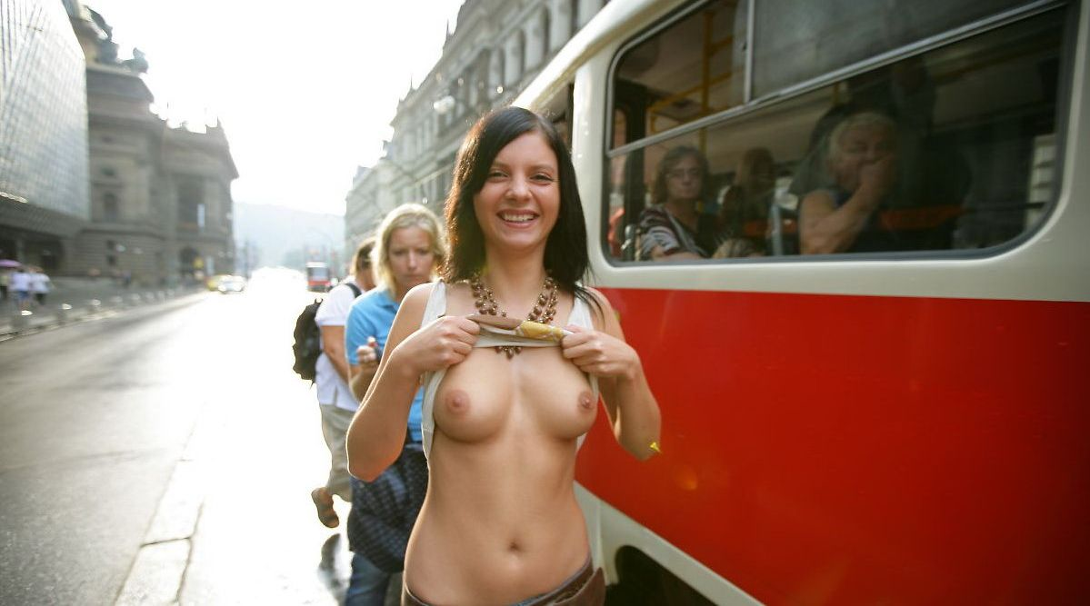 Girl shows boobs in public