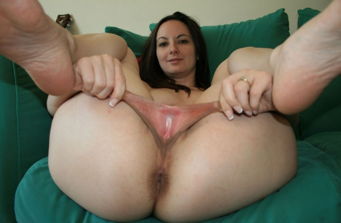 Teen with hairy pussy at home