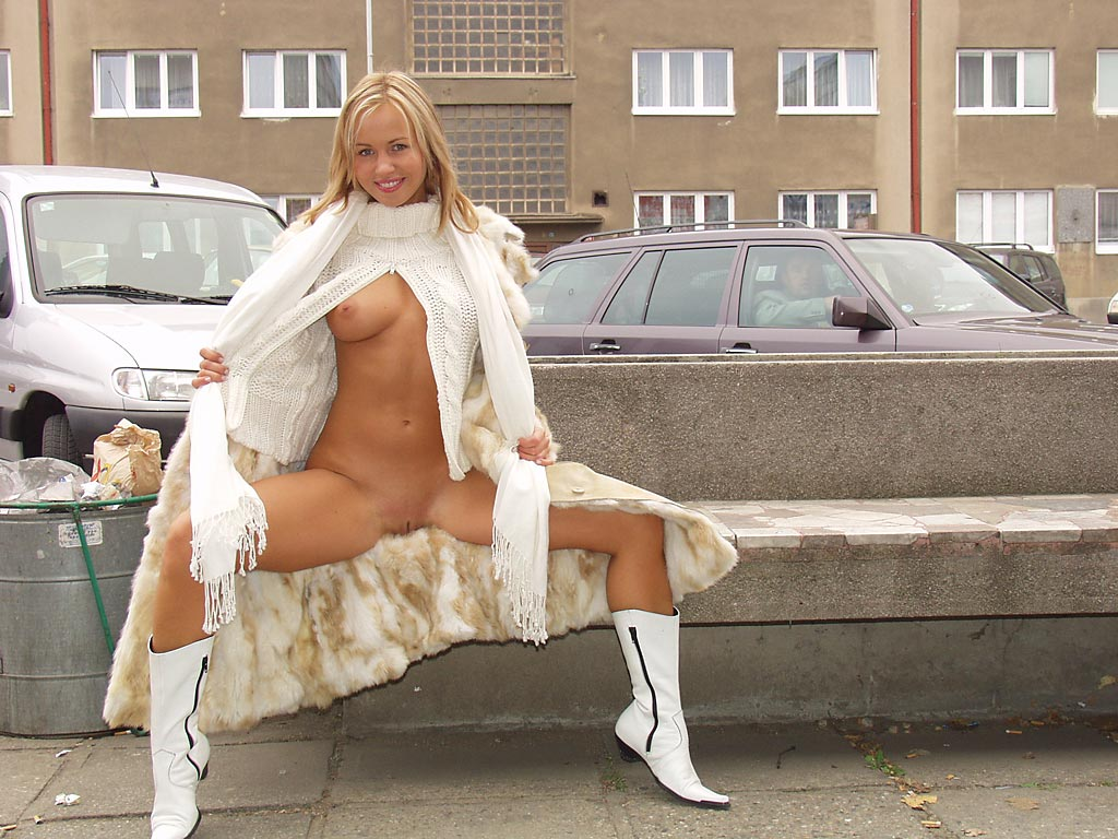 perfect blonde flash pussy at public | russian sexy girls