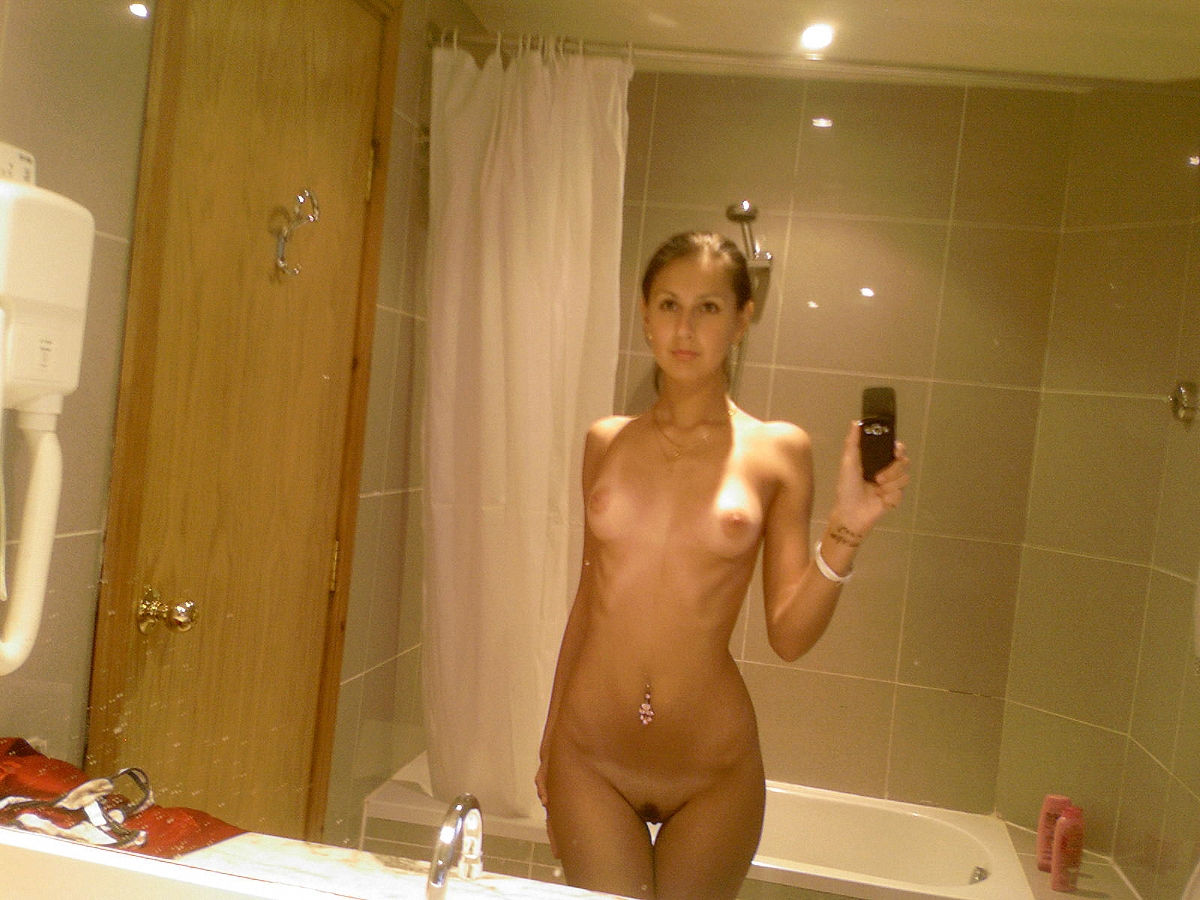naked womens self shot