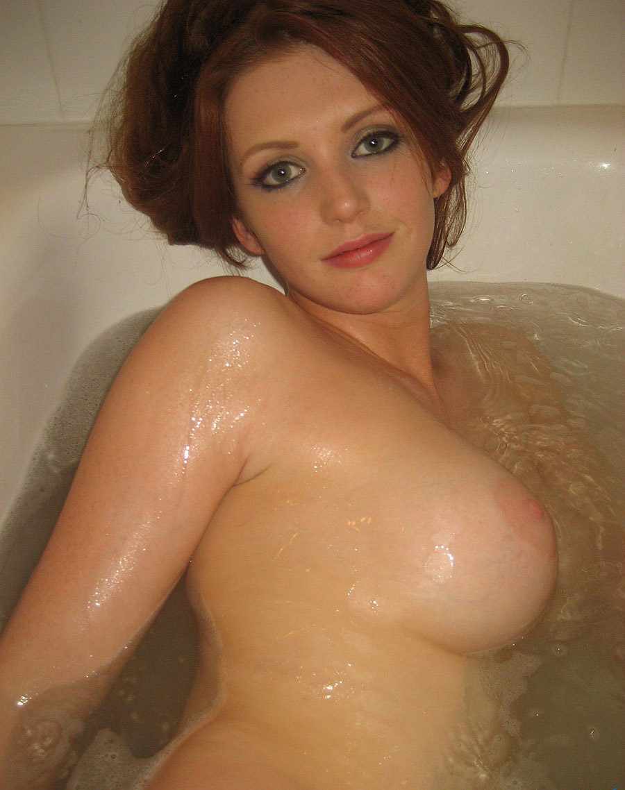 Free beautiful nude women bath