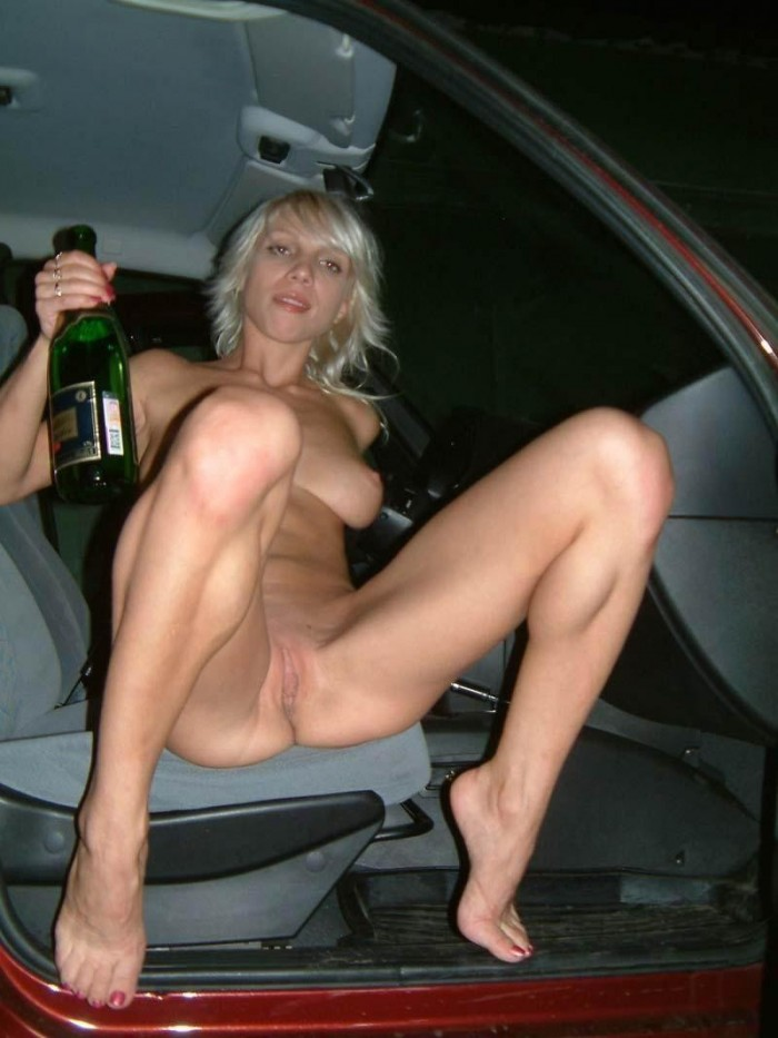 Amateur Blonde In The Car  Russian Sexy Girls-1085