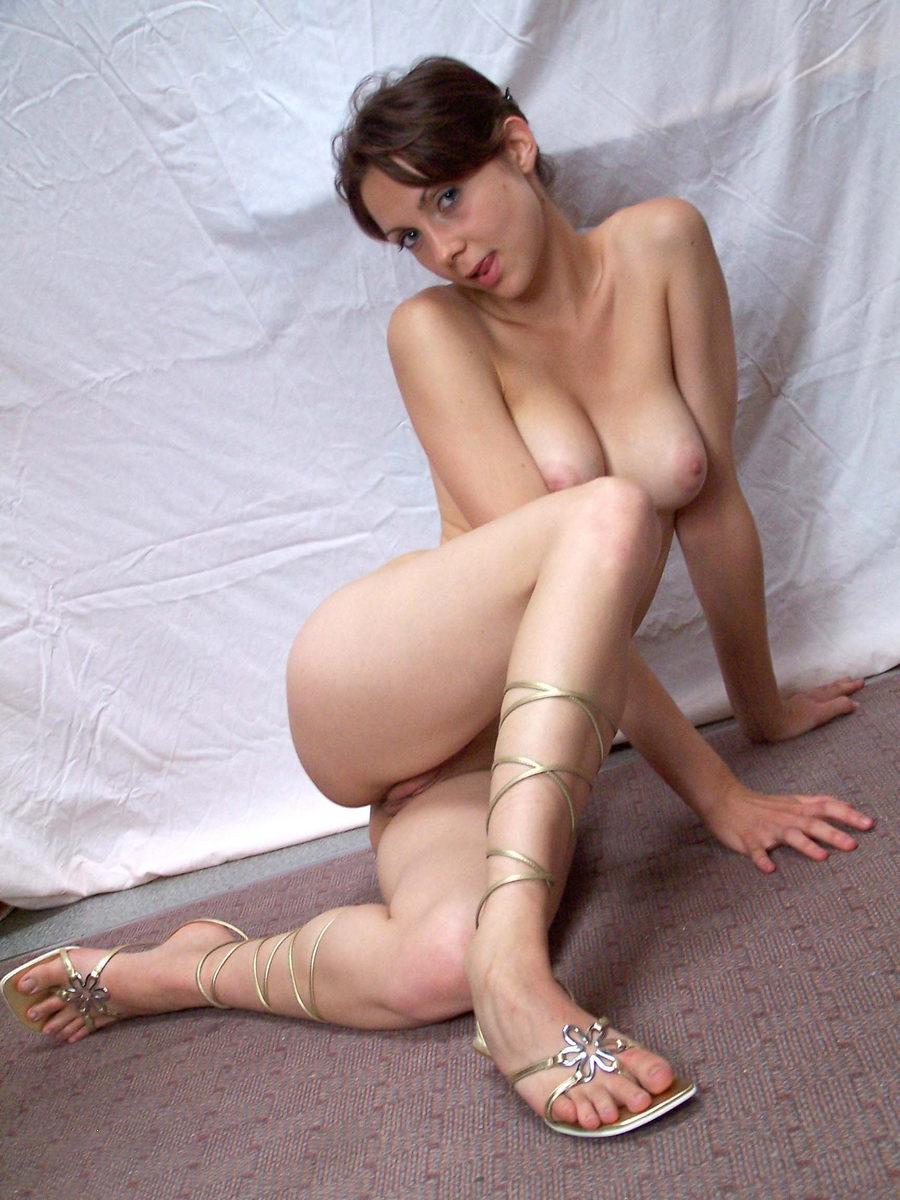 Фото красивых голых девушек длинные ноги 22 фотография