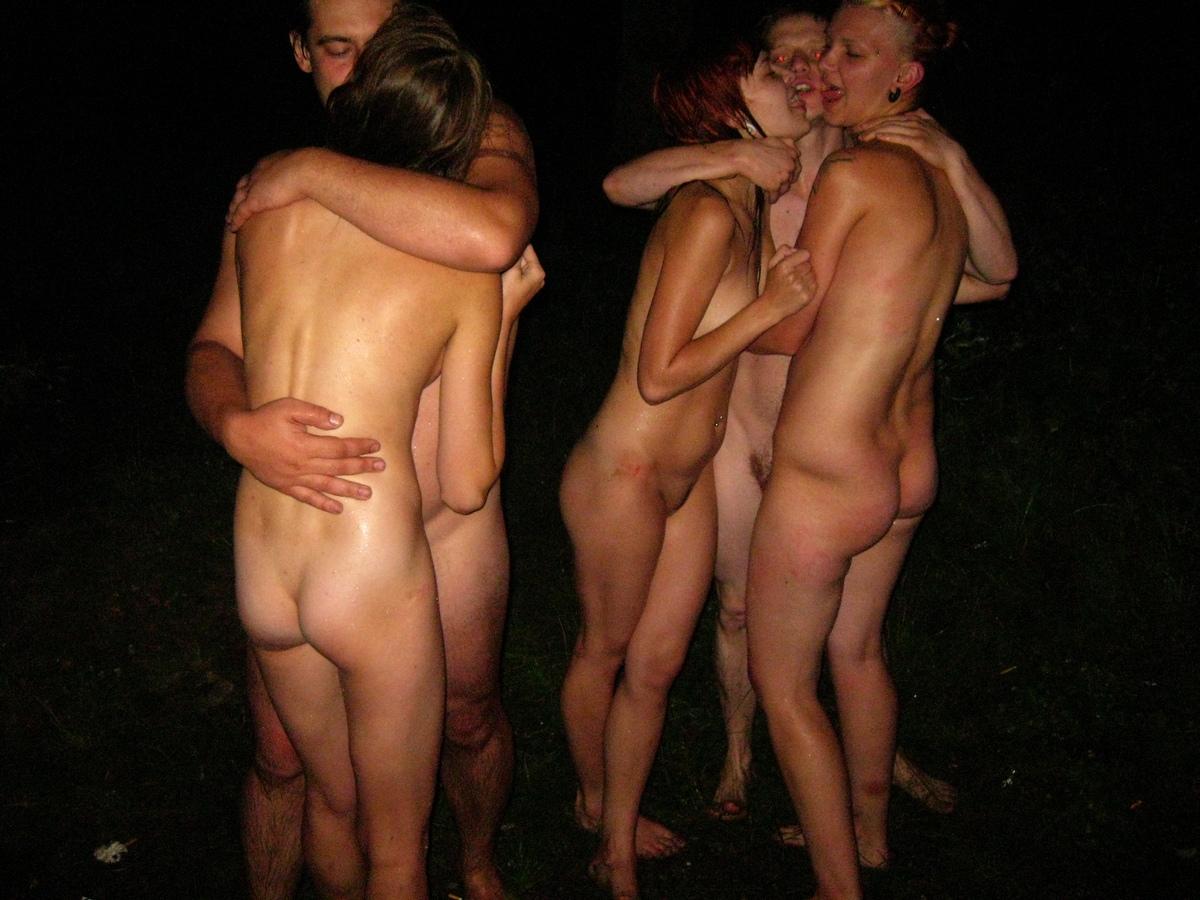 Русские свингеры отдыхают на озере, Свингеры, порно видео со свинг вечеринок Смотреть 24 фотография