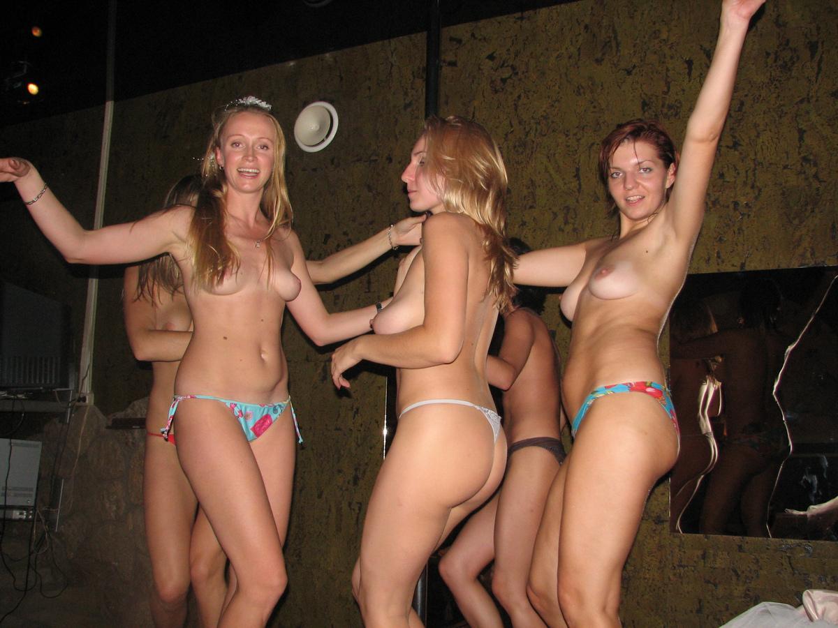 вечеринки голых девчонок