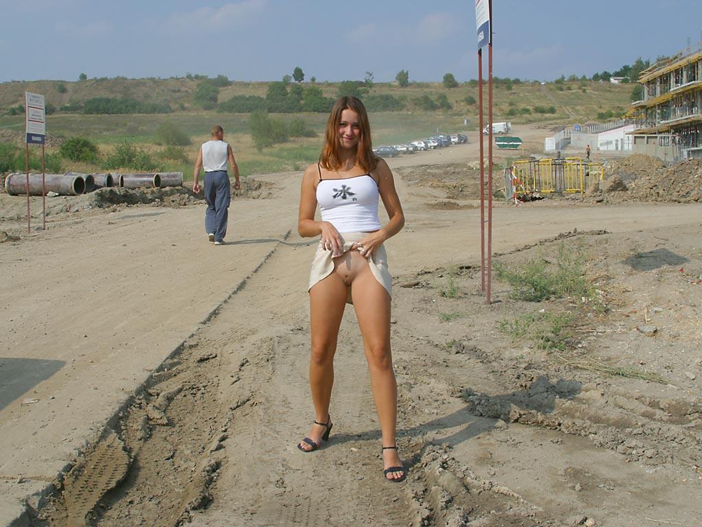 ozawaxxx-girls-showing-tits-in-public-beach-nude