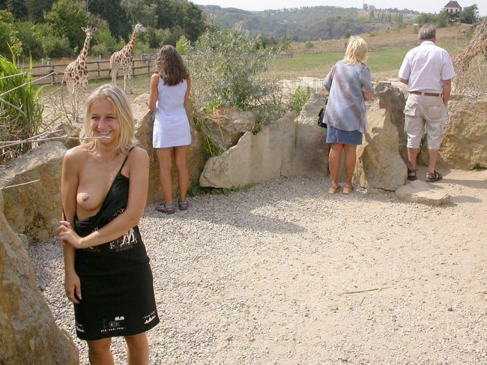 Blonde flash tits and pussy at zoo