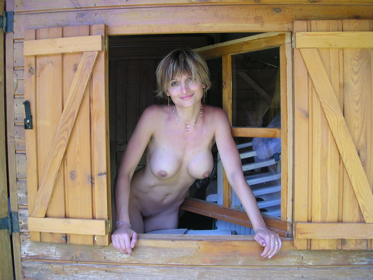 Sexy milf in a country house | Russian Sexy Girls