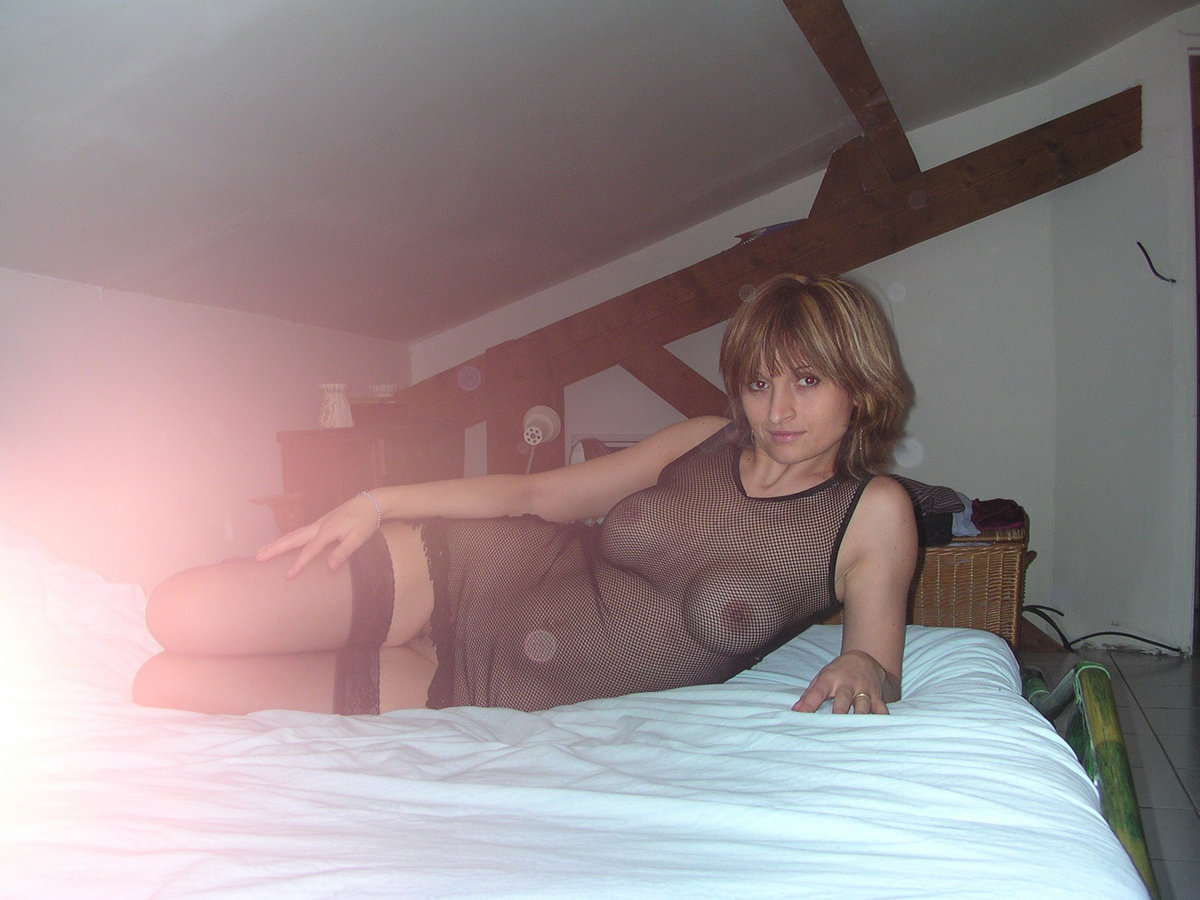 Sexy Milf In A Country House  Russian Sexy Girls-3850