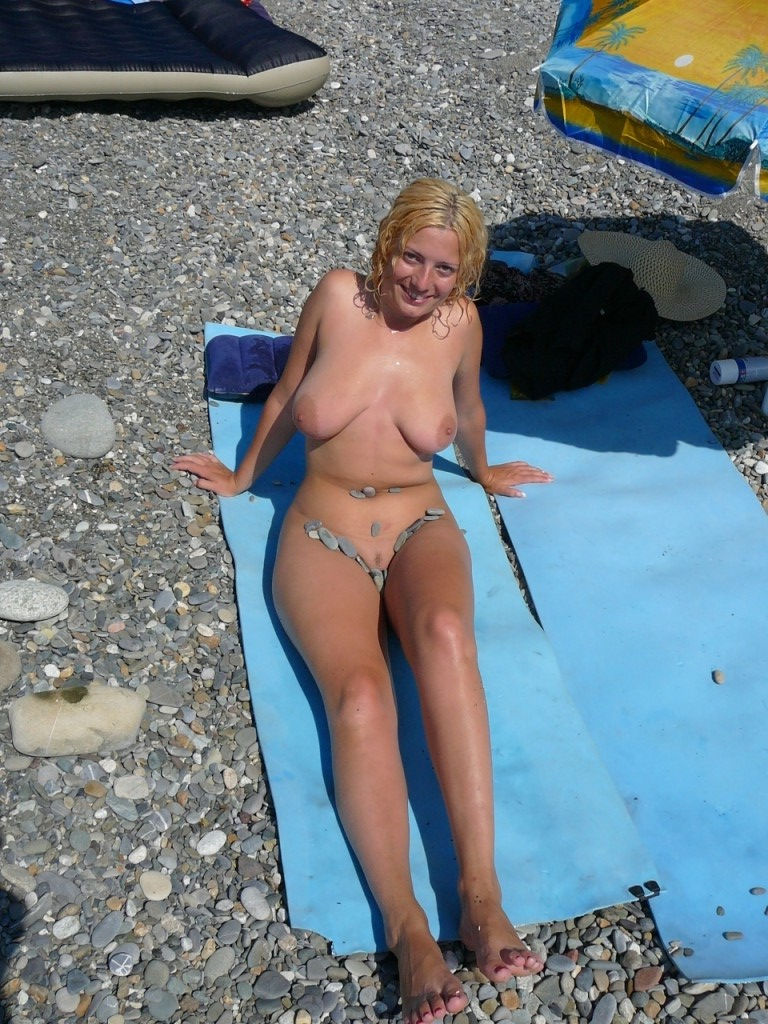boobs naked milf beach