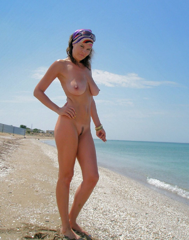 Milf beach gallery