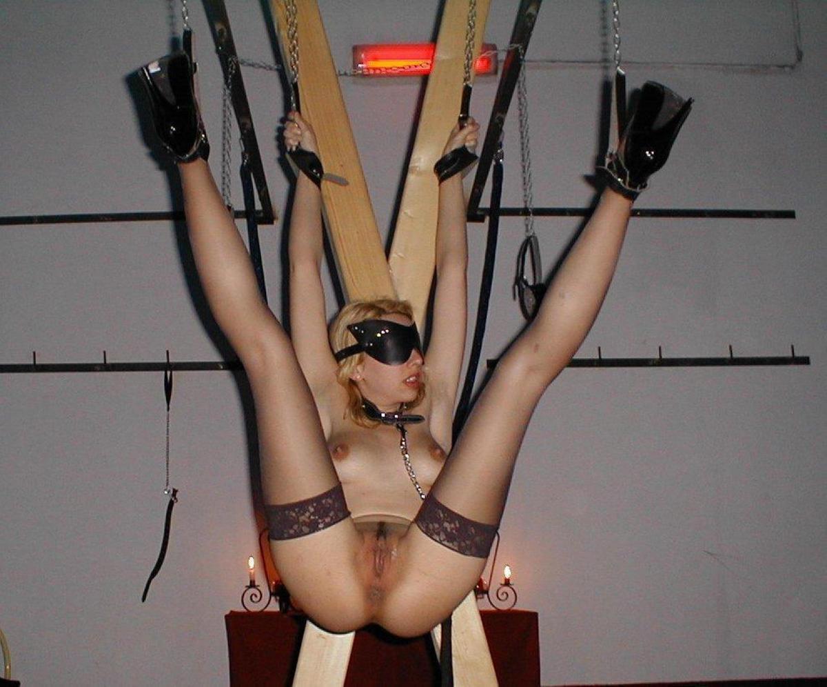 Mideval torturing naked nude images