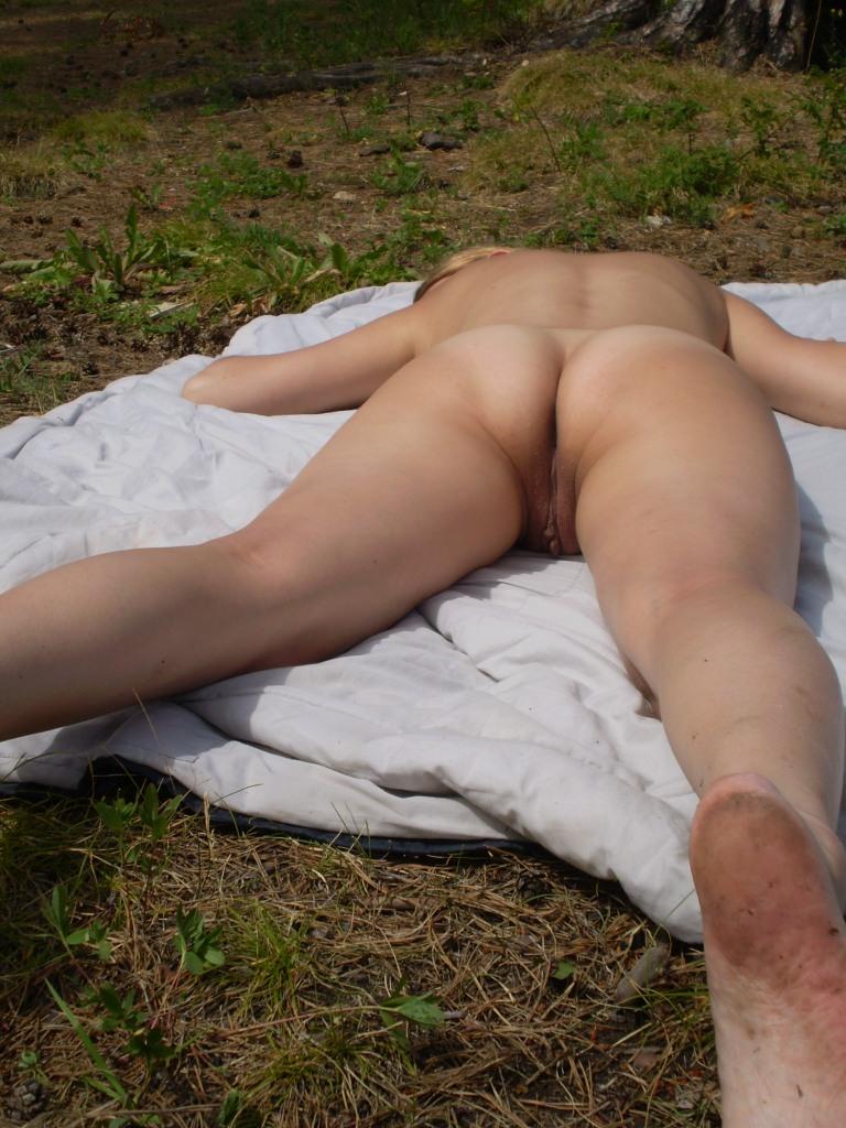 фото голые раскинули ноги