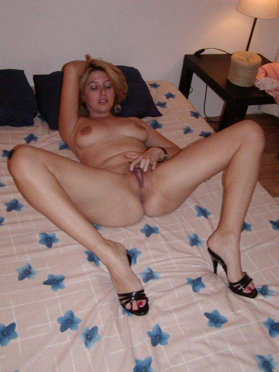 Russian Brunette Fisting On Bed AFM-