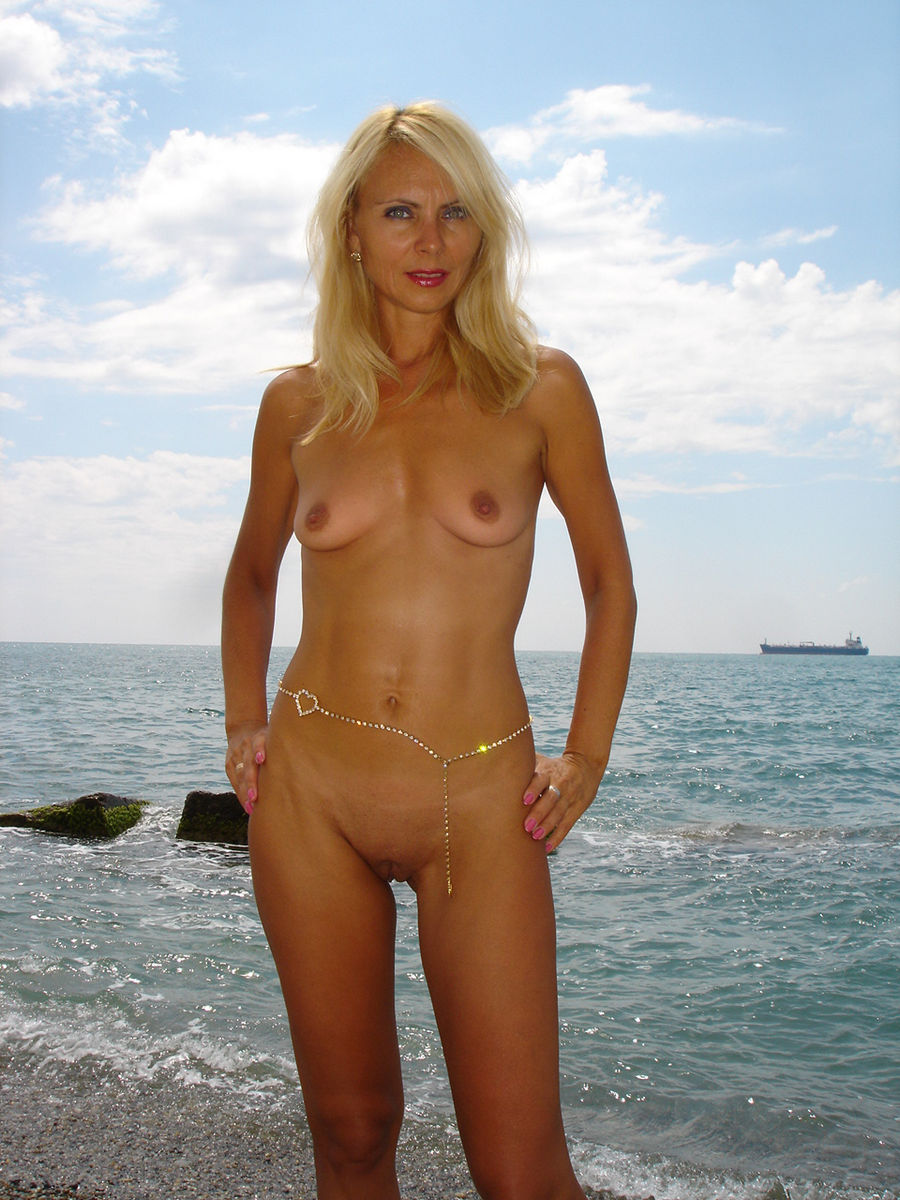 Sexy Sporty Milf Outdoors  Russian Sexy Girls-2822
