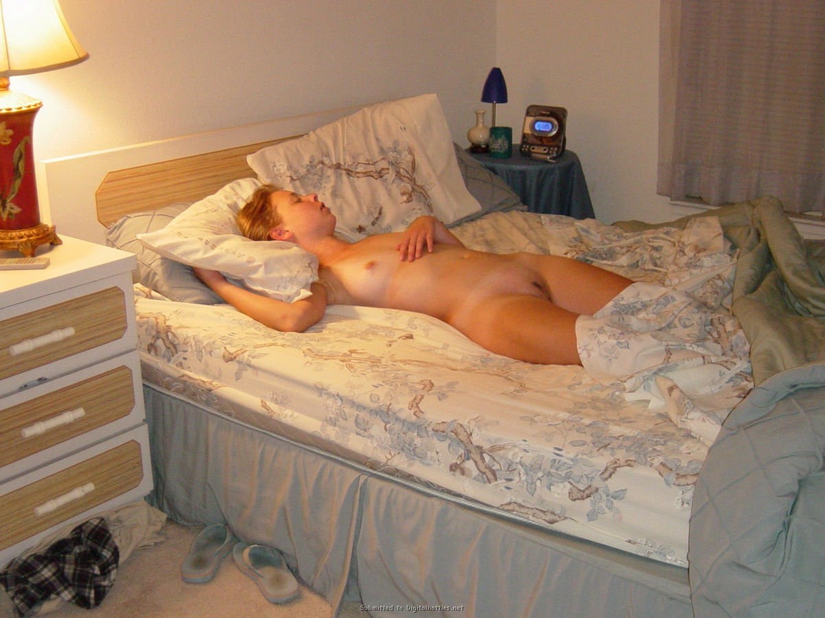 blonde nude Amateur sleeping