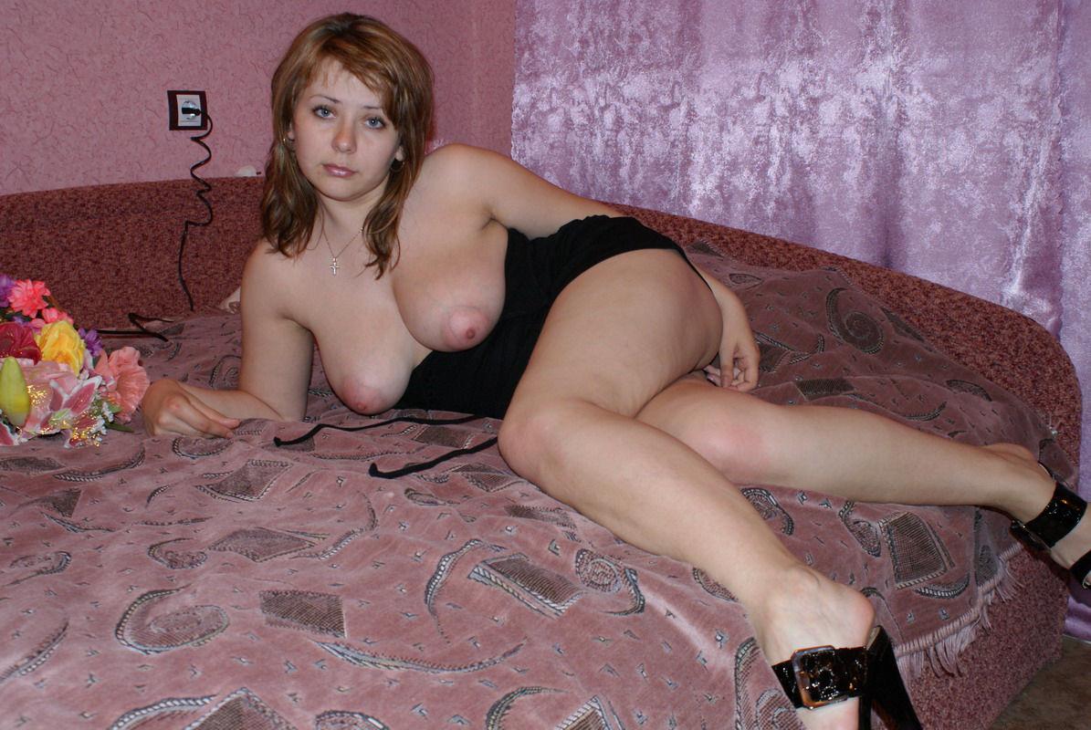 Фото голых женщин россия дом, Частные фото голых девушек Эротика 27 фотография