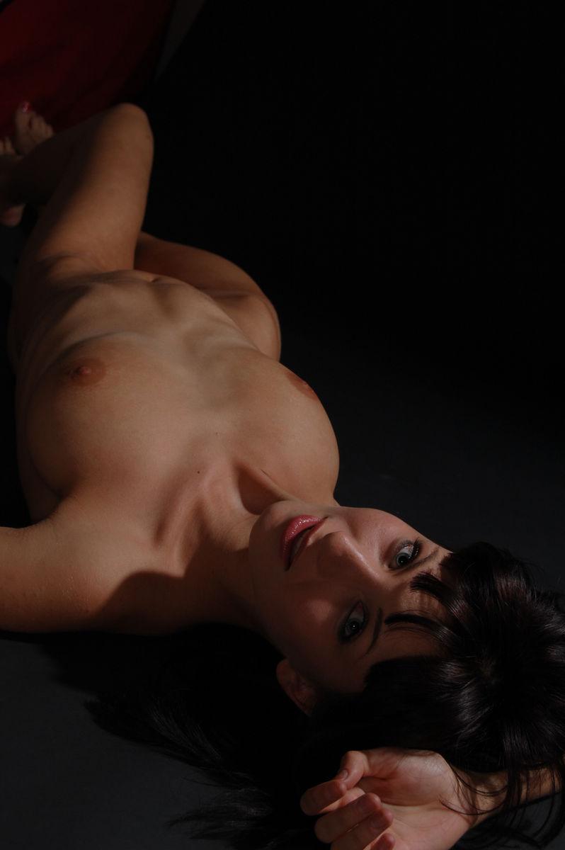 massazh-eroticheskiy-m-vihino