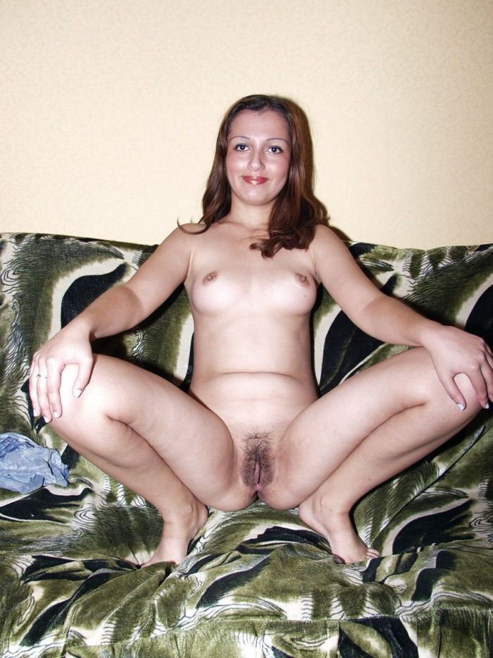 Milf with hairy pussy and sweet tits