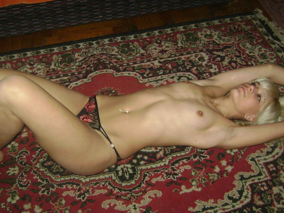 Частная фотоэротика женщин, Бытовые снимки простых женщин порно фото бесплатно 25 фотография