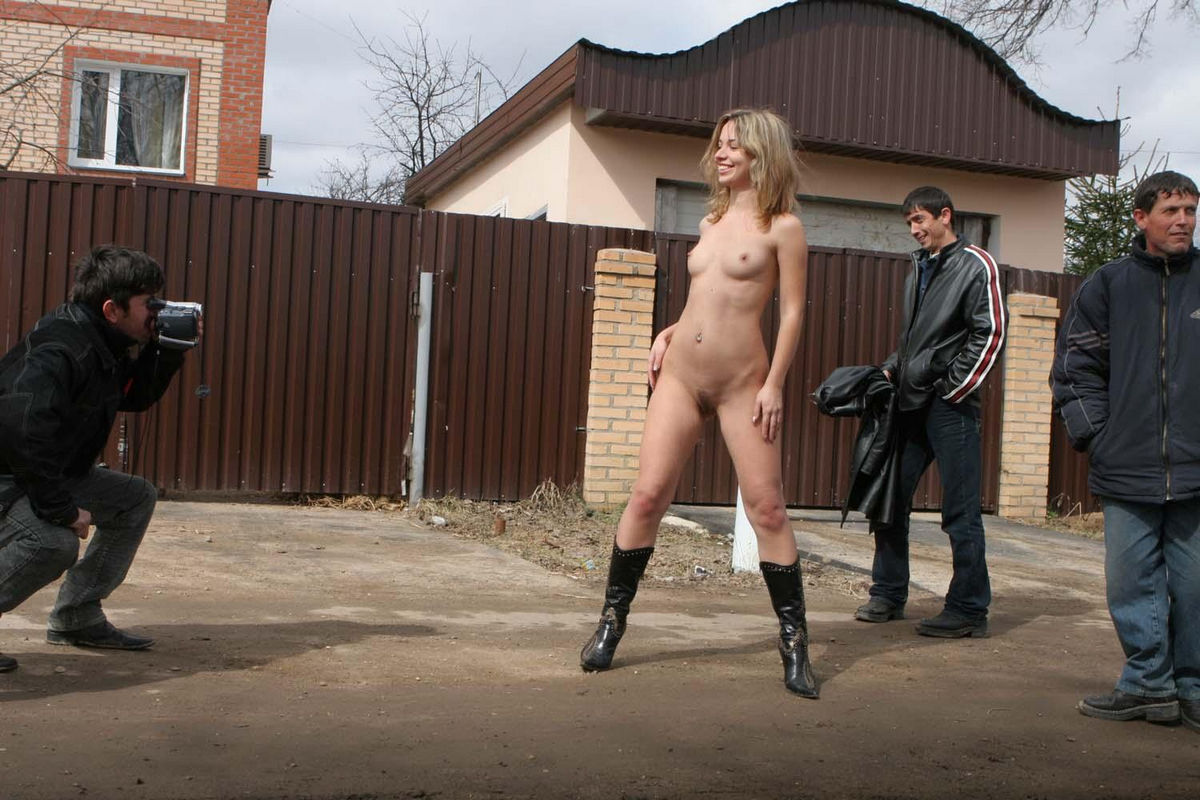 Amazing sporty girl walks totally naked on public streets ...