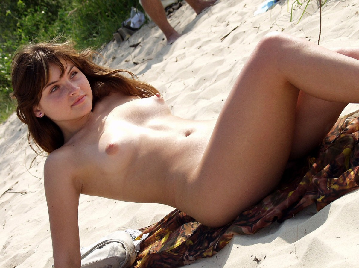 Russian Teen Posing Naked On The Beach  Russian Sexy Girls-3755