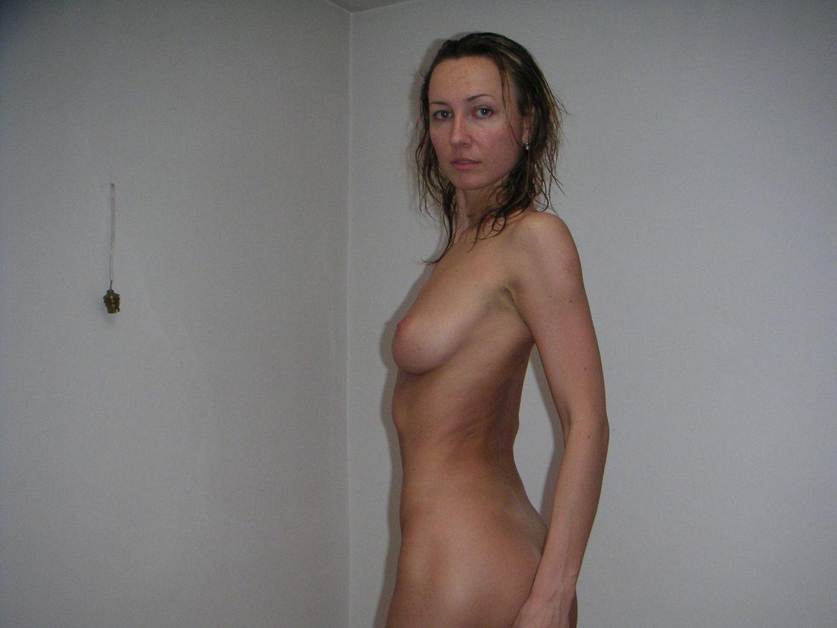 Amateur in striped dress upskirt peeing in panties 1 6
