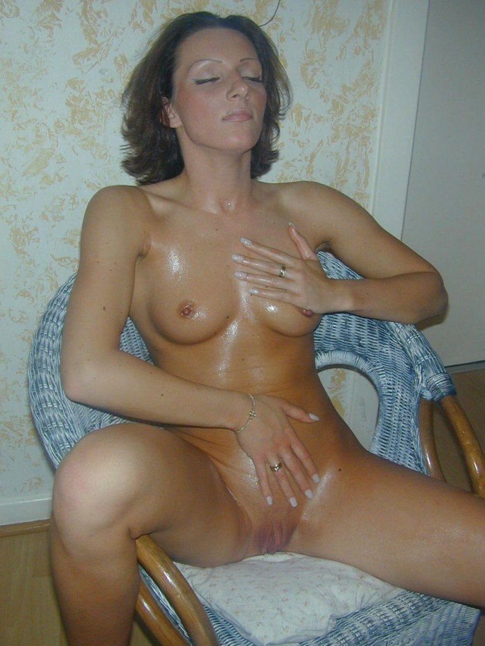 Tanned Girl Is Coated With Oil  Russian Sexy Girls-7335