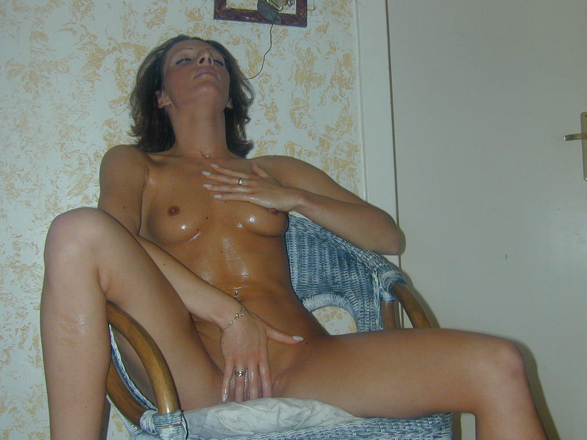 Tanned Girl Is Coated With Oil  Russian Sexy Girls-3337