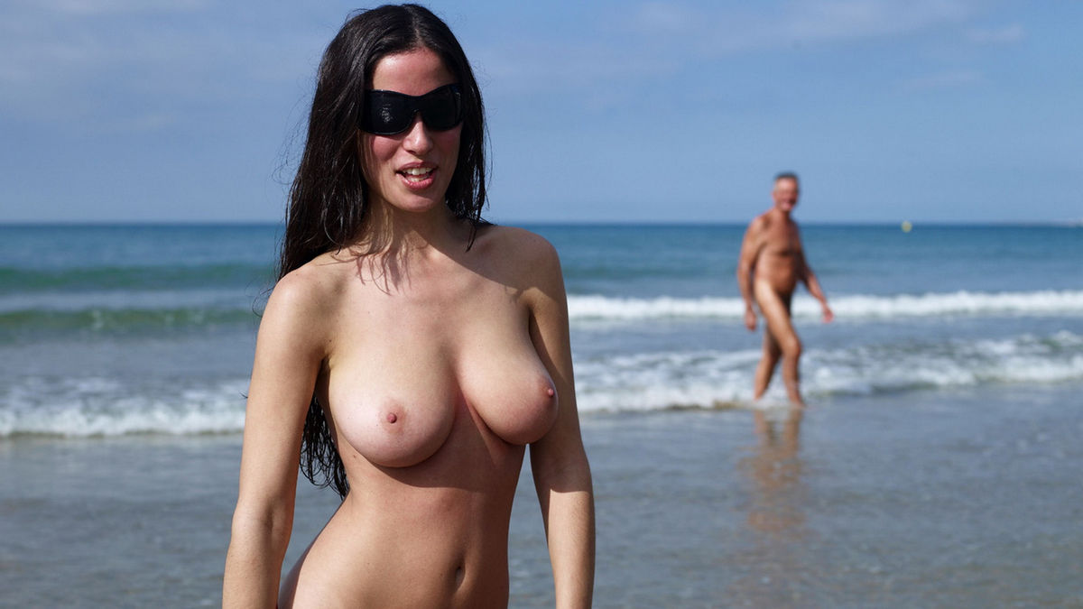 Amazing Brunette With Big Boobs On Nudist Beach  Russian -3640