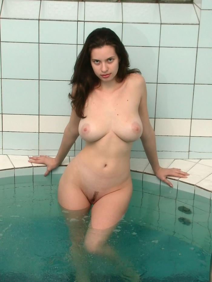 Dicke Titten In Der Sauna