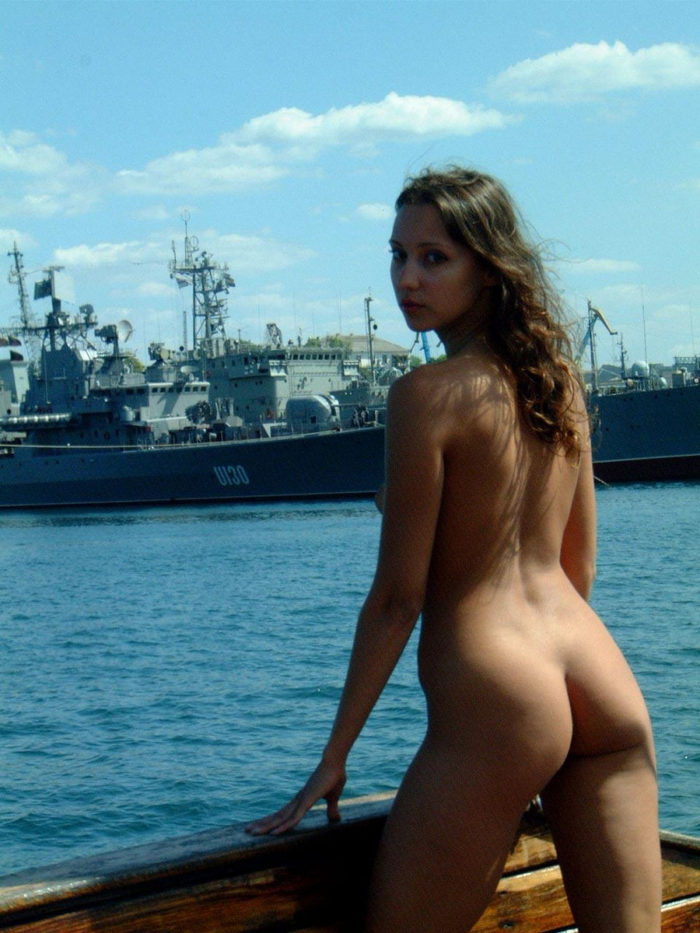 Lovely Girl Posing Naked On Boat  Russian Sexy Girls-8300