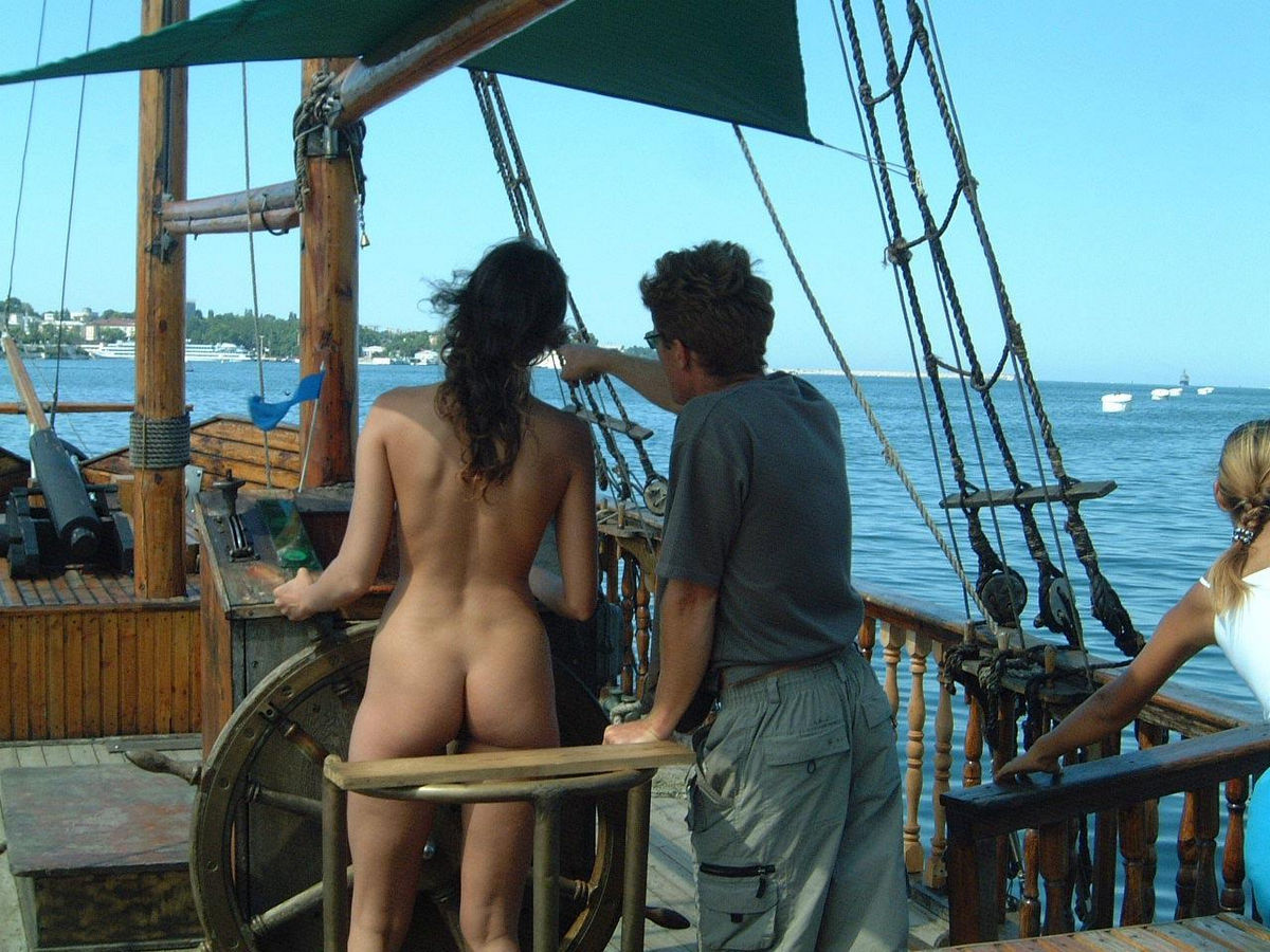 Lovely Girl Posing Naked On Boat  Russian Sexy Girls-5051
