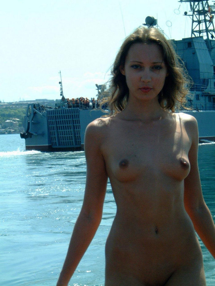 hot boating chicks nude