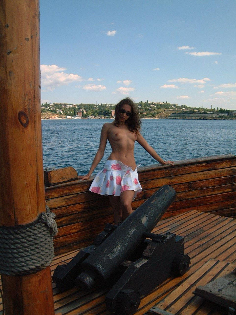 Lovely Girl Posing Naked On Boat  Russian Sexy Girls-4111