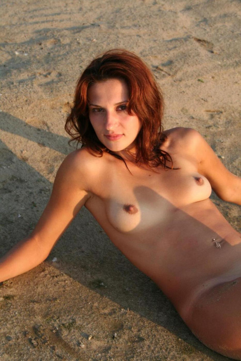 Nice Redhead Milf Posing On The Beach  Russian Sexy Girls-8828