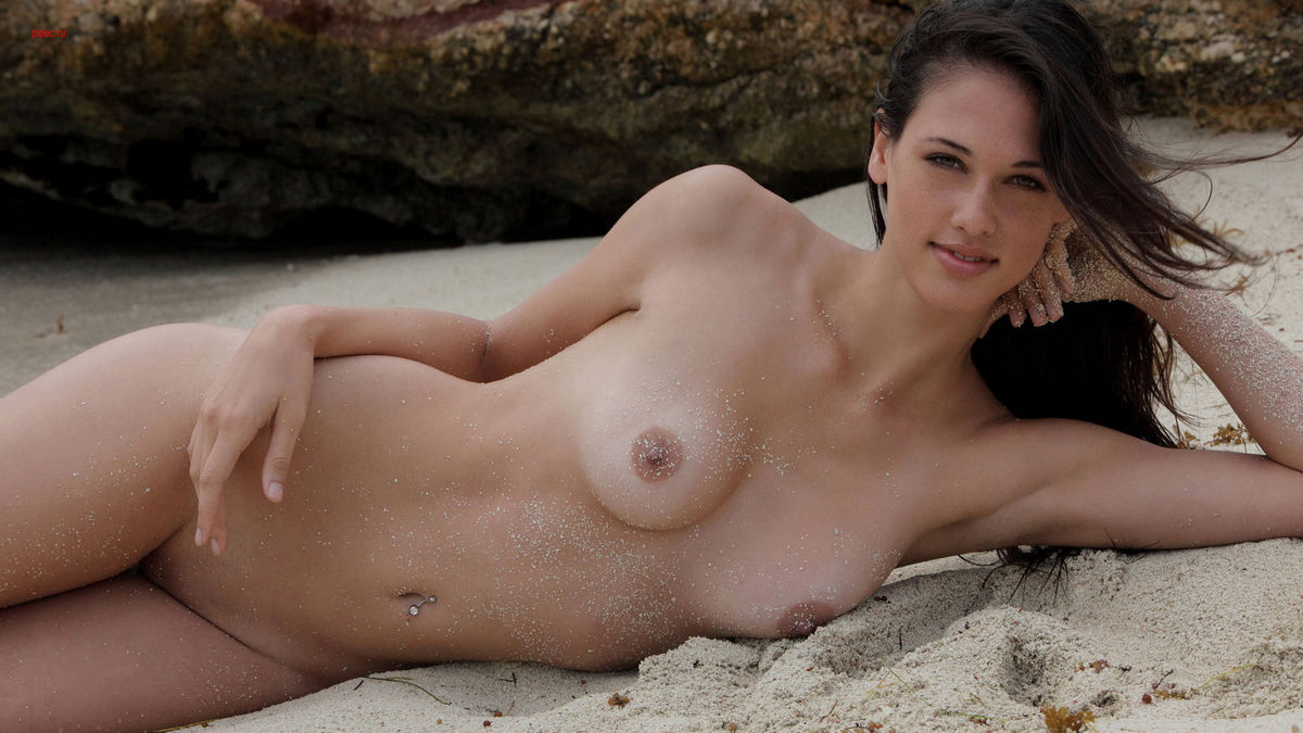 Beautiful Girl With Perfect Boobs On The Beach  Russian -6629