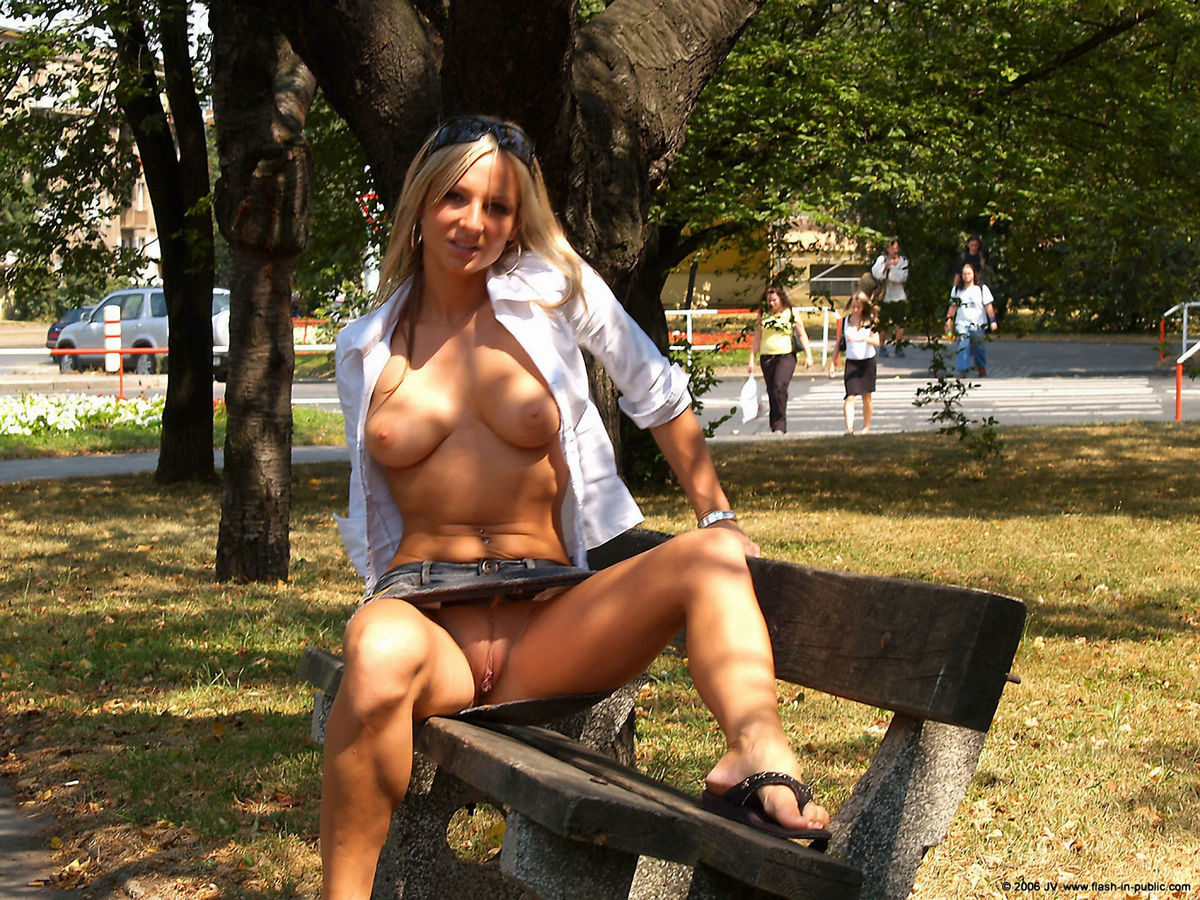 Eventually Girl shows tits in public