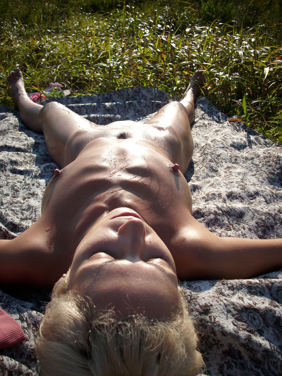 Skinny Russian Blonde Posing Naked At Picnic  Russian -9709