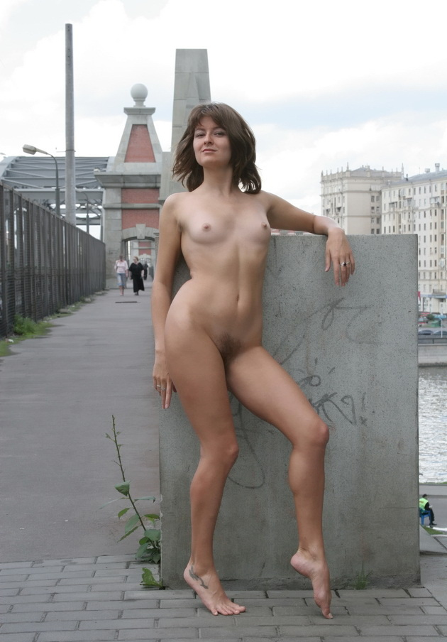 Naked wife posing nude commit error