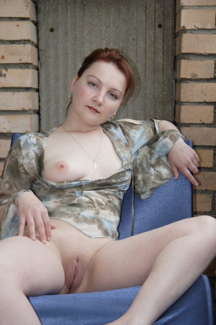 Russian wife shows pussy and boobs.jpg