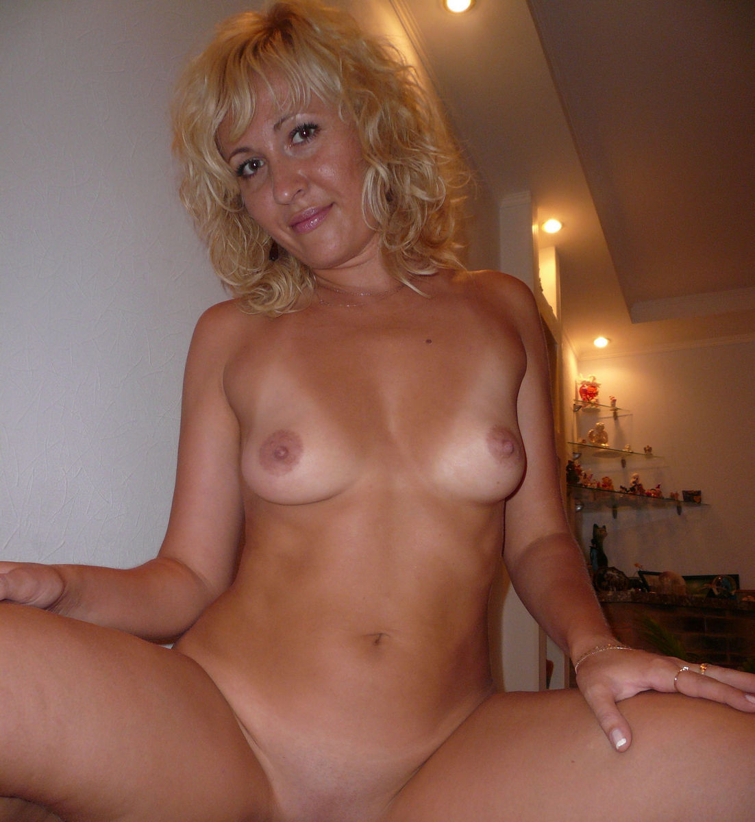 Blonde mature nude women exact