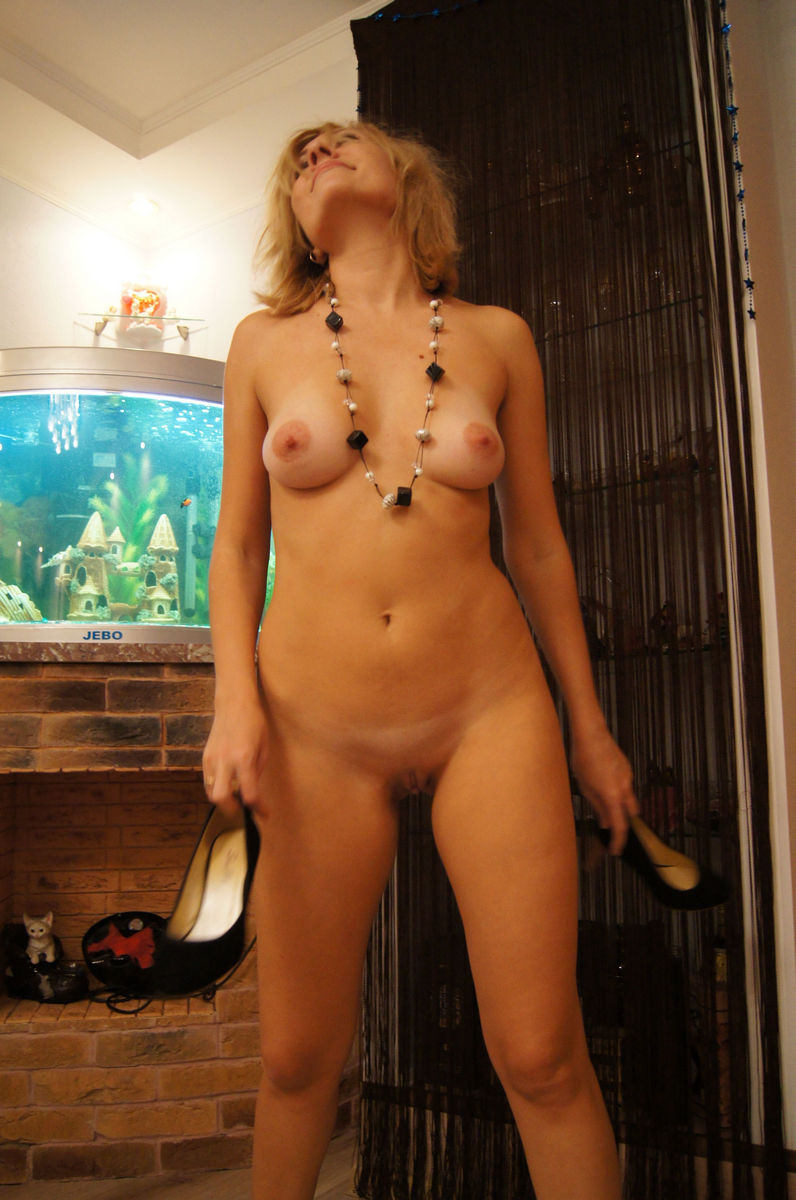 Russian Blonde Milf With Big Boobs On Vacation  Russian -4761