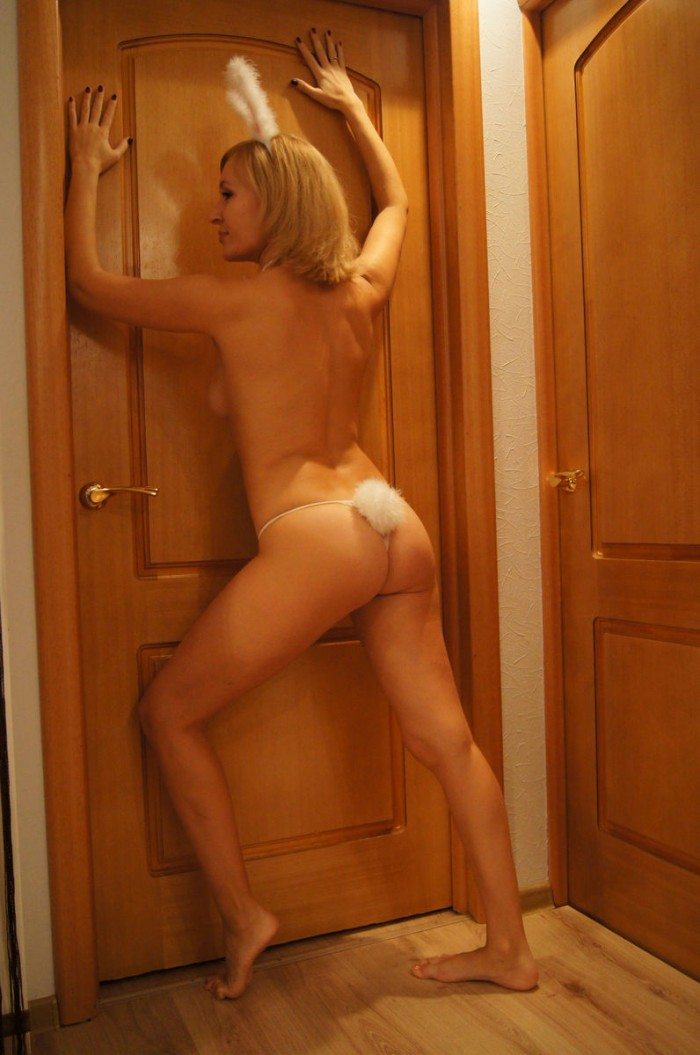 Will know, Amazing blonde amateur milf posing