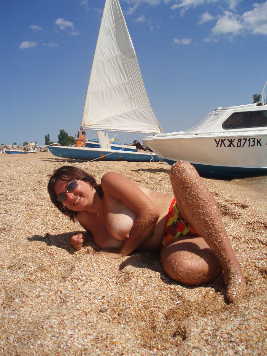 Topless nude wife beach