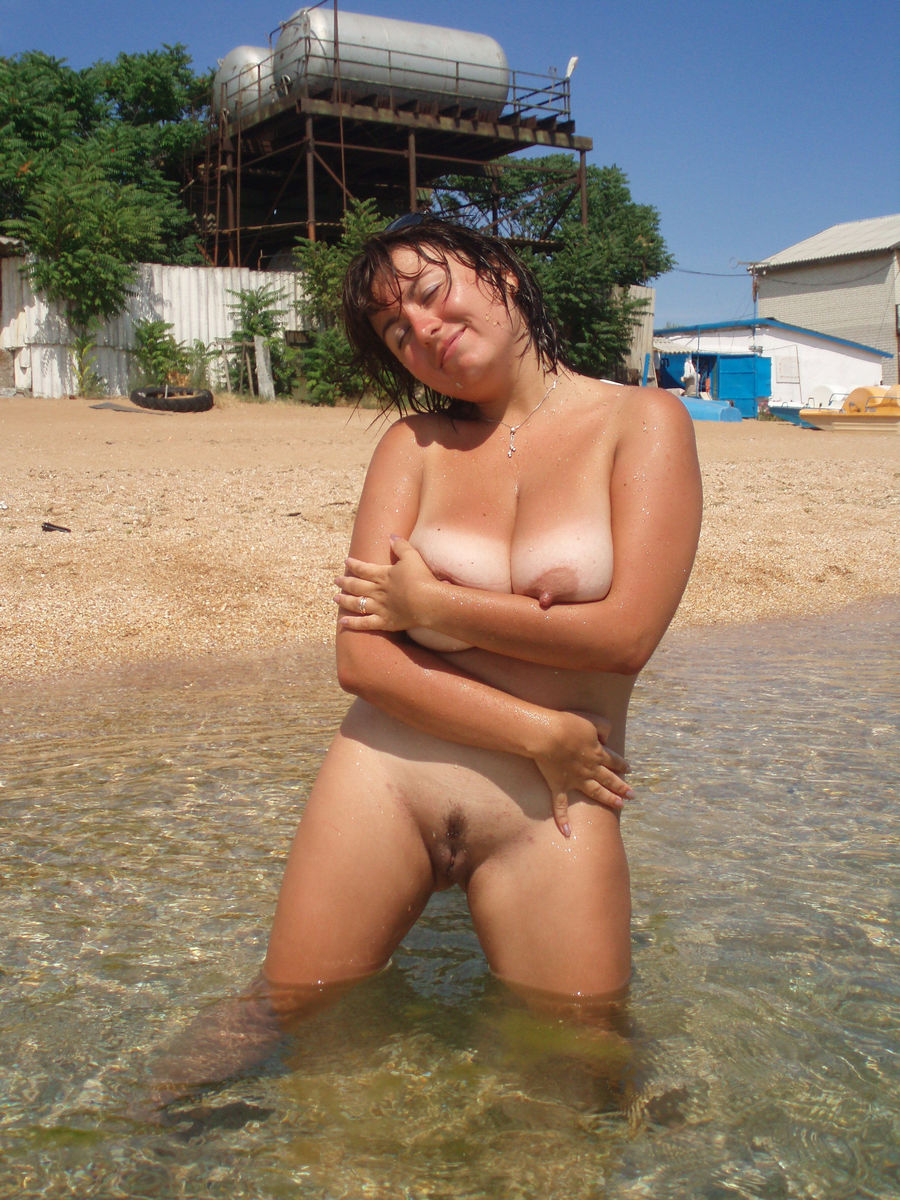 Mature sex on beach
