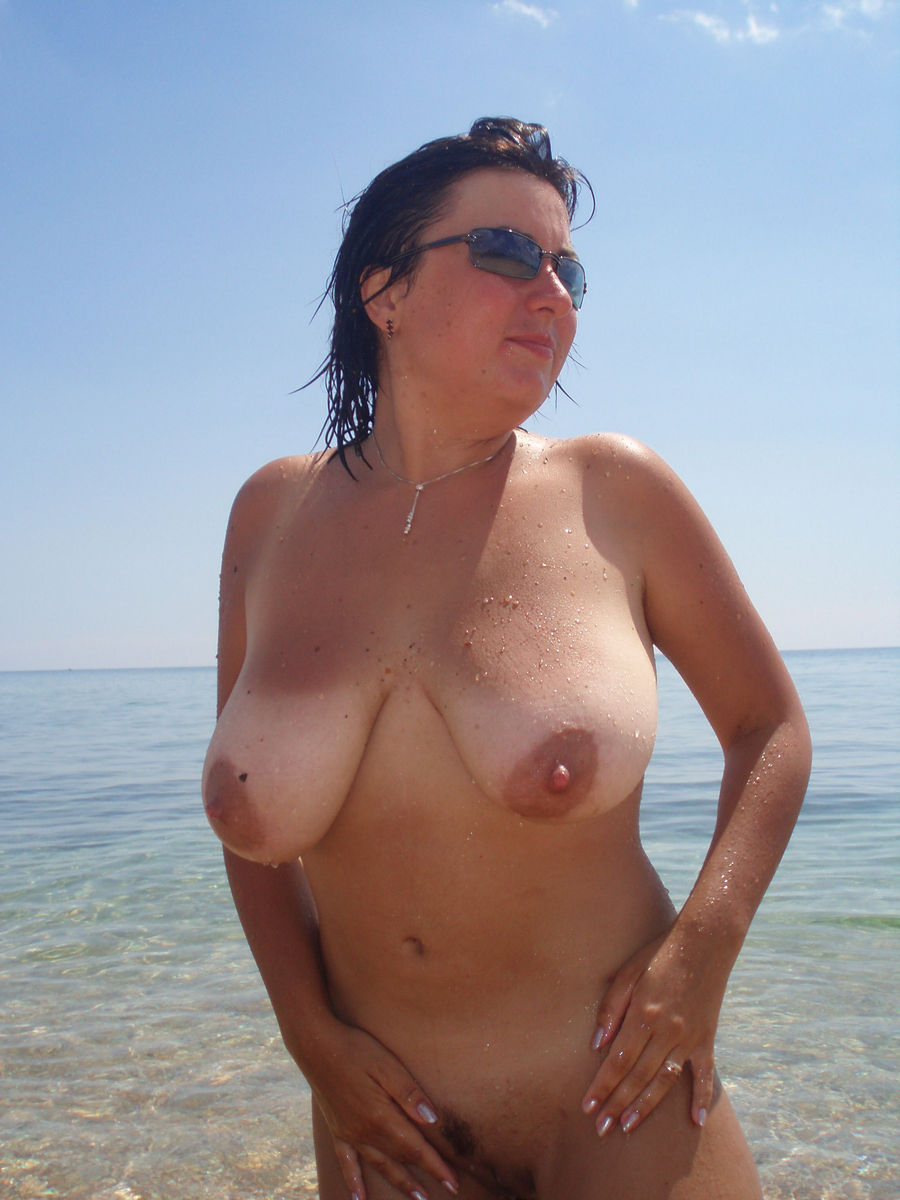 Busty wife topless beach