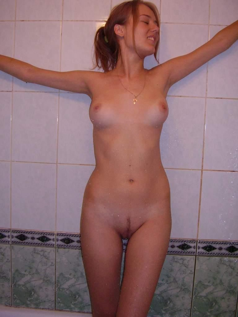 Amateurs Real Porn Gals amateur sporty girl with nice boobs at the bath — russian
