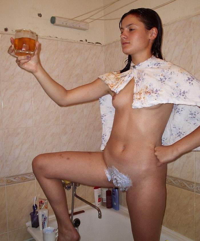 Russian drunk girl shaves pussy at bath.jpg